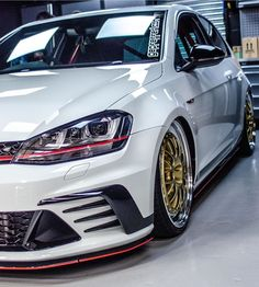 4 Reasons for Being Denied a Credit Card Consumers are often bombarded with credit card offers. Golf Gti Sport, Golf Mk3, Sport Cars, Volkswagen Golf Mk1, Volkswagen Vehicles, Gti Mk7, Womens Golf Shoes, Vw Camper, Top Cars