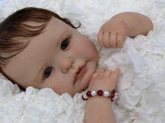 TUTTO SULLE BAMBOLE REBORN  Questo blog è dedicato alle splendide Bambole Reborn. Troverete bambole pronte per l'acquisto e tante curiosità, informazioni, accessori e consigli per personalizzare le vostre creazioni. Una Bambola Reborn è un regalo di qualità che emoziona e fa sognare!