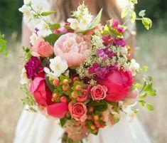 10 jolis bouquets printaniers pour la mariée