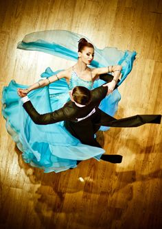 STUNNING BALLROOM DANCING