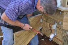 Building deck stairs are often the most challenging part of a DIY deck project. We will teach you how to cut stair stringers to meet code for rise and run step limits. These 17 articles will also cover how to build stair landings and ADA ramps. Deck Steps, Porch Steps, Stair Steps, Diy Porch, Deck Building Plans, Deck Plans, Boat Plans, Building Stairs, Easy Deck