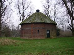 Ice House, Home Park - geograph.org.uk - 304732 - 氷室 - Wikipedia