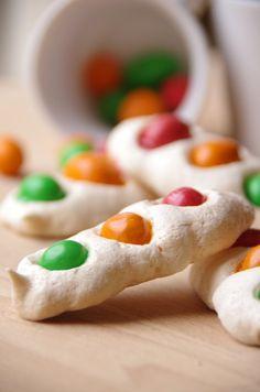 Les feux tricolores en M's {meringues}  http://noviceencuisine.over-blog.com/article-les-feux-tricolores-en-m-m-s-meringues-119424101-comments.html#comment114607043