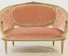 if this was small enough, i'd totally put it in my bedroom for a reading sofa. mm, plush peach