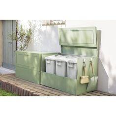 庭を素敵に見せるこだわりカラー。一見、ダストボックスとは思えない洗練デザイン。生活感を上手に隠せます。大きく開いて出し入れしやすく、実用度も優秀。
