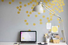Or add some gold confetti to the wall for a festive touch.