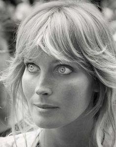 Linda Evans, Beautiful Eyes, Most Beautiful, Beautiful Women, Beautiful Celebrities, Beautiful Actresses, Classic Hollywood, Old Hollywood, Bo Derek 10