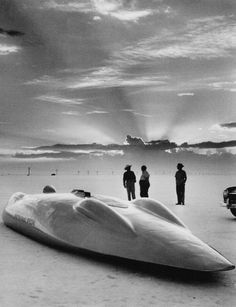 John Cobb's 2,600-horsepower racing car, the 28-foot-8-in Railton Special, powered by two 12-cylinder engines, made a 334-mph trial run at Wendover, Utah in 1947.