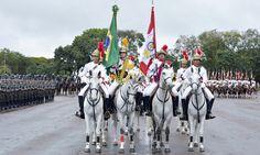 Militares do 1º Regimento de Cavalaria de Guardas