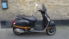 Vespa GTS Super 125 Scooter