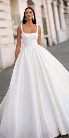 Wedding Dresses Romantic Flowy 10 Wedding Dress Designers You Want To Know About wedding dress designers ball gown simple with straps square neckline milla nova Wedding Dress Black, Wedding Dress Sleeves, Perfect Wedding Dress, Dream Wedding Dresses, Designer Wedding Dresses, Bridal Dresses, Elegant Dresses For Wedding, Simple Classy Wedding Dress, Famous Wedding Dresses
