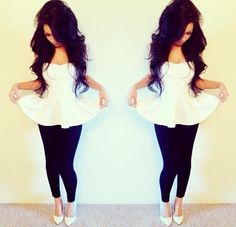 White peplum top, black leggings add some colored heels Fashion Killa, Look Fashion, Teen Fashion, Fashion Beauty, Fashion Outfits, Fashion Styles, Fashion Pants, Pastel Outfit, Spring Summer Fashion