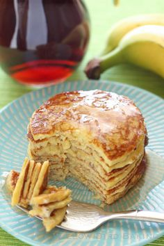 Recipe for Four-Ingredient Protein Pancakes from Willow Bird Baking - Sweets_Pfannkuchen & Waffeln - Protein Dinner, High Protein Breakfast, Low Carb Recipes, Cooking Recipes, Detox Recipes, Meals For Four, Protein Powder Recipes, Protein Powder Pancakes, Whey Protein Recipes