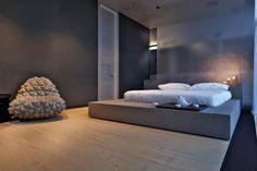 minimalistisch graues gepolstertes Podestbett