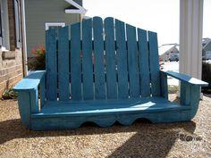 Primitive & Proper: The Bold Abode.  DIY Pallet Porch Swing