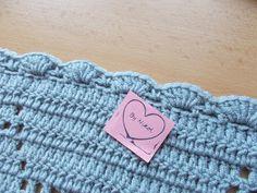 a Origami, Blanket, Crochet, Crochet Hooks, Blankets, Crocheting, Paper Folding, Carpet, Thread Crochet