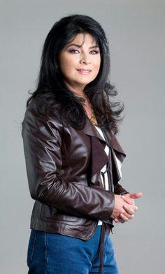 Victoria Ruffo one of my favorites! Latino Actors, Actors & Actresses, Victoria, Cesar Evora, Beautiful People, Beautiful Women, Hispanic Women, Famous Women, Beautiful Actresses