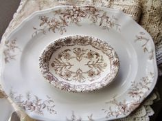 Pretty brown and white transferware Antique Dishes, Vintage Dishes, Antique China, Vintage China, Brown Plates, Vintage Plates, China Patterns, Vintage Pottery, China Porcelain