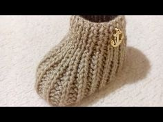 Knit Slippers Free Pattern, Baby Booties Knitting Pattern, Baby Shoes Pattern, Baby Knitting Patterns, Crochet Patterns, Stitch Patterns, Knit Shoes, Crochet Baby Shoes, Baby Slippers