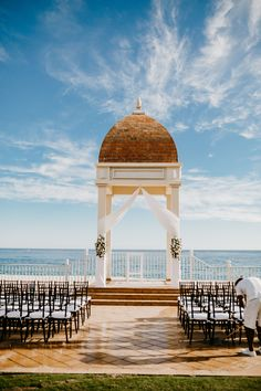 Beautiful oceanfront destination wedding venue from Lauren and Rob's Real Wedding in Los Cabos, Mexico | Fostered Photo