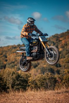 Air Time: Rider airing out the 2019 Scrambler. Triumph Scrambler Custom, Triumph Motorcycles, Custom Motorcycles, Custom Bikes, Triumph 1200, Retro Motorcycle, Motorcycle Quotes, Build A Bike, Honda