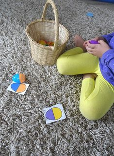 plastic eggs make a great learning tool all year around not just in easter! Try this color sorting activity with your toddler / preschooler. Sorting Activities, Easter Activities, Easter Crafts For Kids, Preschool Activities, Toddler Preschool, Kid Activites, Preschool Alphabet, Preschool Projects, Preschool Printables