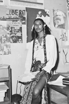 Celebrate Black History Month and Fashion Week with a look at some of the top black supermodels of the past, present, and future. Black Girl Magic, Black Girls, Black Man, Black Supermodels, Festival Girls, Vintage Black Glamour, Vintage Beauty, Black History Facts, Fashion Designer