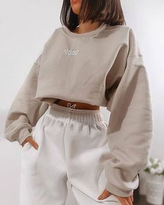 missy empire Scarlet Beige Mood Slogan Oversized Sweatshirt - Source by amydelymmocom Cute Lazy Outfits, Sporty Outfits, Teen Fashion Outfits, Retro Outfits, Stylish Outfits, Girl Outfits, Fashion Women, Teenager Outfits, Girl Fashion
