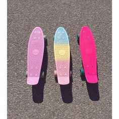 Find images and videos about pink and skate on We Heart It - the app to get lost in what you love. Board Skateboard, Penny Skateboard, Skateboard Girl, Skateboard Decks, Longboard Design, Skateboard Design, Hipster Hairstyles, Estilo Indie, Abercrombie Girls