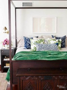 Jessica Alba's bedroom in Better Homes and Garden