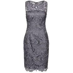 befc67edbbf7cc Wunderschönes Kleid von Adrianna Papell in Grau. Es ist aus mehreren Lagen  gefertigt