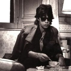 Young Mick Jagger is having a cuppa at his hotel room before rocking out. :) #tea #cuppa #teaculture #mickjagger #lovetea