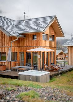 Enjoy your private spa with a view of the slopes! Spa, Cabin, House Styles, Home Decor, Decoration Home, Room Decor, Cabins, Cottage, Home Interior Design