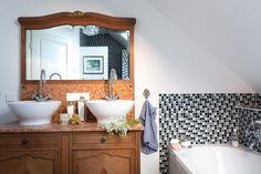 Badezimmer, Schalenwaschbecken, Mosaikfliesen, Waschtisch,