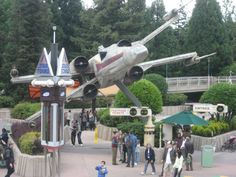 """Still the """"old"""" version of Star Tours here but the lady in the video is different! They're not the ones from Anaheim dubbed. Star Tours, Fighter Jets, Old Things, Paris, Lady, Travel, Montmartre Paris, Viajes, Paris France"""