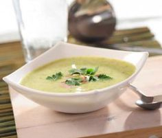 Recept Brokolicová polévka od Vorwerk vývoj receptů - Recept z kategorie Polévky Kitchen Machine, Cheeseburger Chowder, Soup, Ethnic Recipes, Thermomix, Soups, Soup Appetizers