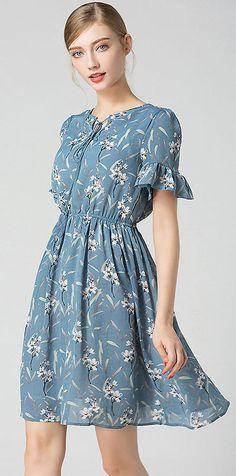Fashion V-Neck Flare Sleeve Floral Print Dress