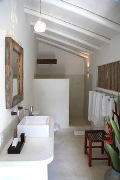 Banheiros Home Trends 2010 home interior color trends Small Space Interior Design, Interior House Colors, Bathroom Interior Design, Home Design, Interior Design Living Room, Small Room Bedroom, Home Trends, Beautiful Bathrooms, House Plans