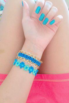 mavili yeşilli bilekliğimiz 💙💚 zincirli friendship bracelet 💙 👉 #nubynu   #handmade #design #accessories #fashion #moda #girl #woman #luxury #trend #takı #jewellery #tasarım #style #aksesuar #friendshipbracelet #bileklik #bracelet #kişiyeözel