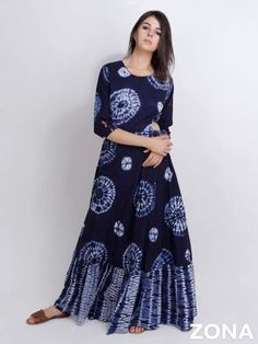 Indian Gowns Dresses, Indian Fashion Dresses, Indian Designer Outfits, African Fashion, Celebrity Casual Outfits, Tie Dye Fashion, Stylish Sarees, Frocks For Girls, Tie Dye Dress