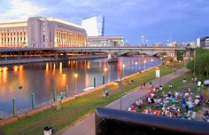 Schuylkill Banks 2012 Movie Nights in Philadelphia Visit Philly, Outdoor Movie Nights, Reading At Home, 2012 Movie, Summer Events, Concrete Jungle, Summer 2014, Summer Fun, Summer Nights