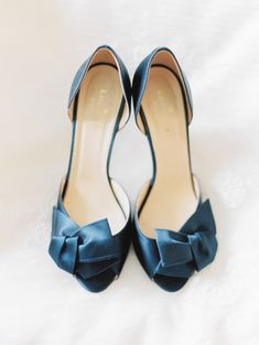 Kate Spade silk bow shoes: http://www.stylemepretty.com/maryland-weddings/2015/07/21/nautical-navy-peach-chesapeake-bay-wedding/ | Photography: Love by Serena - http://lovebyserena.com/