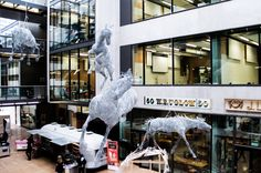 life size horses made out of chicken wire by artist Tessilda ( Tess Dumon) Martin S, Central Saint Martins, Royal College Of Art, Chicken Wire, Making Out, Sculpture Art, Saints, Horses, Fine Art