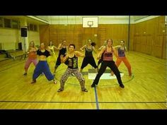 Dance Tips - Video : Limbo - Daddy Yankee- Zumba fitness- Petra Tojmarová - Fitness Magazine Youtube Workout Videos, Zumba Videos, Dance Videos, Exercise Videos, Zumba Fitness, Dance Fitness, Zumba Routines, Zumba Instructor, Dance Tips