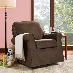 The Baby Relax Eva Rocker in java brown is a great addition to your nursery room. The solid wood espresso finished feet and sturdy construction will make this rocker a family favorite for years to come.