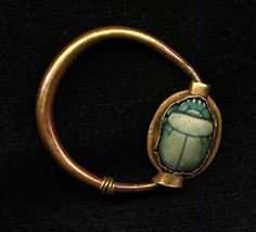 Scarab ring in gold bezel mount made in reign of Tuthmosis III, c.1479-1425 BC