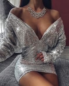 Glitter Off Shoulder Ruched Sequins Bodycon Dress Glitter Off Shoulder . Read more The post Glitter Off Shoulder Ruched Sequins Bodycon Dress appeared first on How To Be Trendy. Elegant Dresses, Pretty Dresses, Beautiful Dresses, Amazing Dresses, Sexy Dresses, Formal Dresses, Glamouröse Outfits, Cute Casual Outfits, Dress Casual