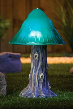 Green Solar Mushroom Garden Light.