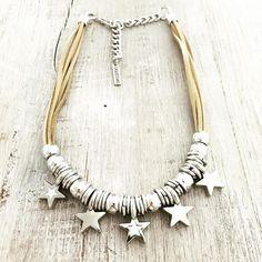 Fabric Jewelry, Beaded Jewelry, Handmade Jewelry, Beaded Bracelets, Boho Accessories, Paper Beads, Kugel, Jewelry Crafts, Tassel Necklace