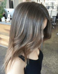 21 Layered Haircuts for Medium Hair > CherryCherryBeauty.com